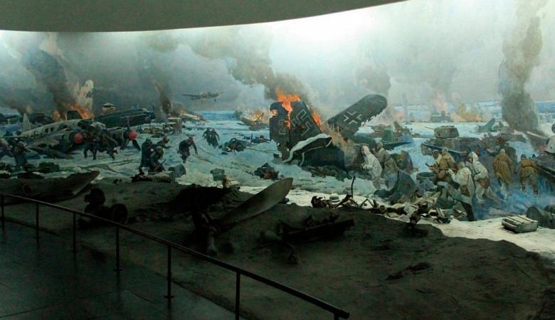 Панорама «Разгром немецко-фашистских войск под Сталинградом», которое воскрешает легендарные подвиги Сталинградской битвы: летчиков и пехотинцев, танкистов и артиллерии, связистов и медсестер