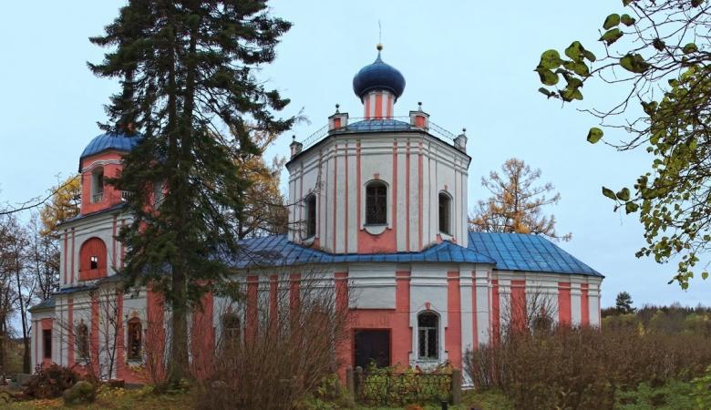 Прутня. Около храма обрела вечный покой муза Пушкина - А.П.Керн